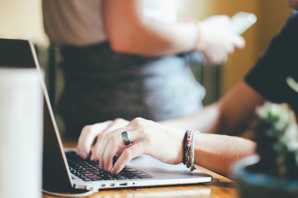 Wirtualne biuro: atrakcyjny adres bez wysokich kosztów